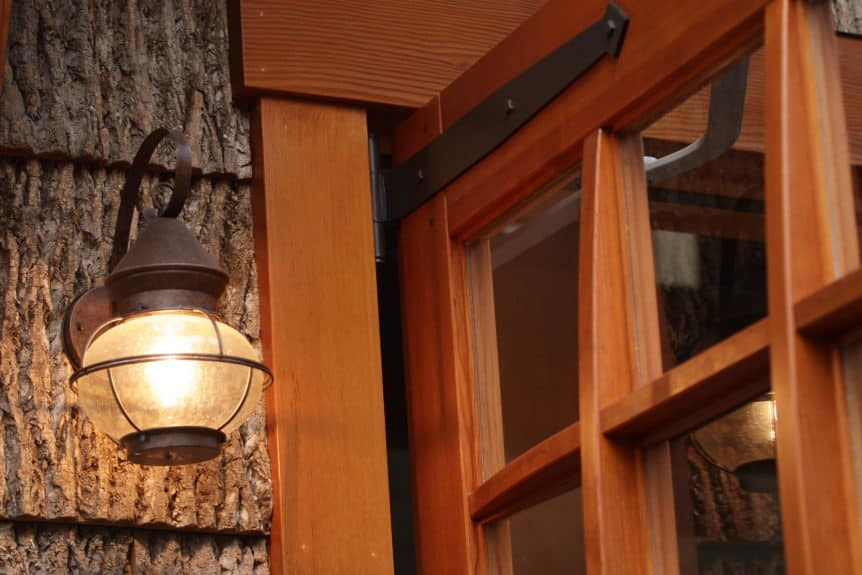 SL07 Design – Square top, (3x3) lites, (3) vertical flat panels, Vertical grain Douglas Fir, Diamond tip half surface strap hinges, and curved mullions